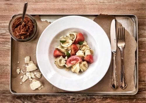 Tortellini mit Tomatenpesto